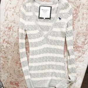 V-neck Abercrombie sweater